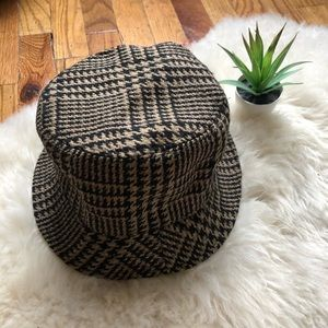 Tweed bucket hat 🌞